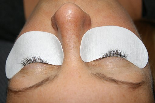 How You Can Find High Quality Eyelash Extension And How Good They Are For Your Natural Eyelashes?
